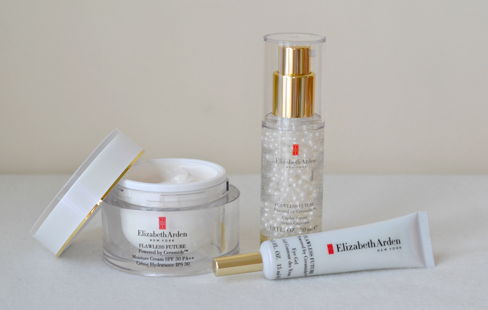 elizabeth-arden-flawless-future-ceramid-moisture-cream-complex-serum-eye-gel-1