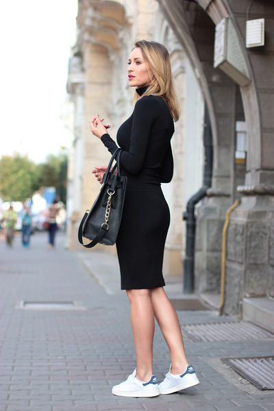 zara-dress-michael-kors-bag-adidas-sneakers_400