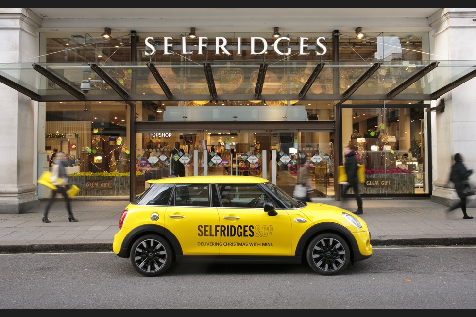 英國百貨公司Selfridges 黑色星期五大減價開始左la!