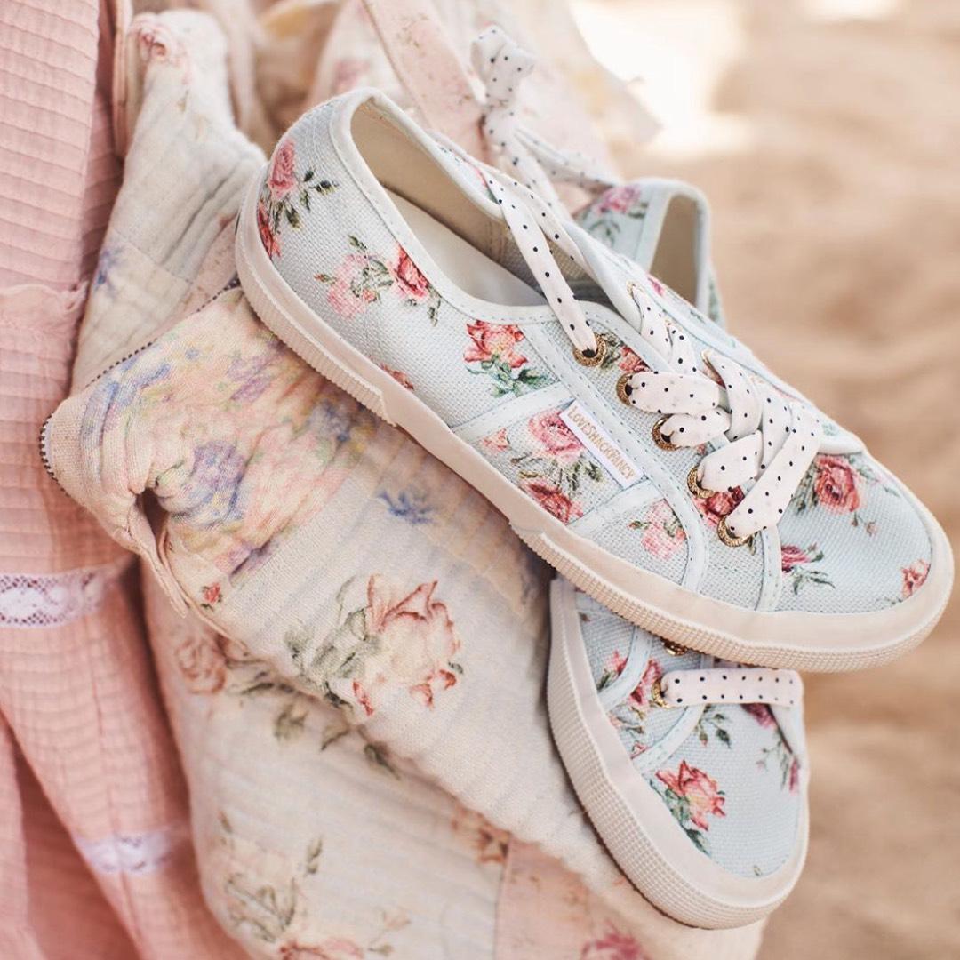 網購義大利國民帆布鞋Superga x Love Shack Fancy 系列低至7折 +免費直運香港/澳門