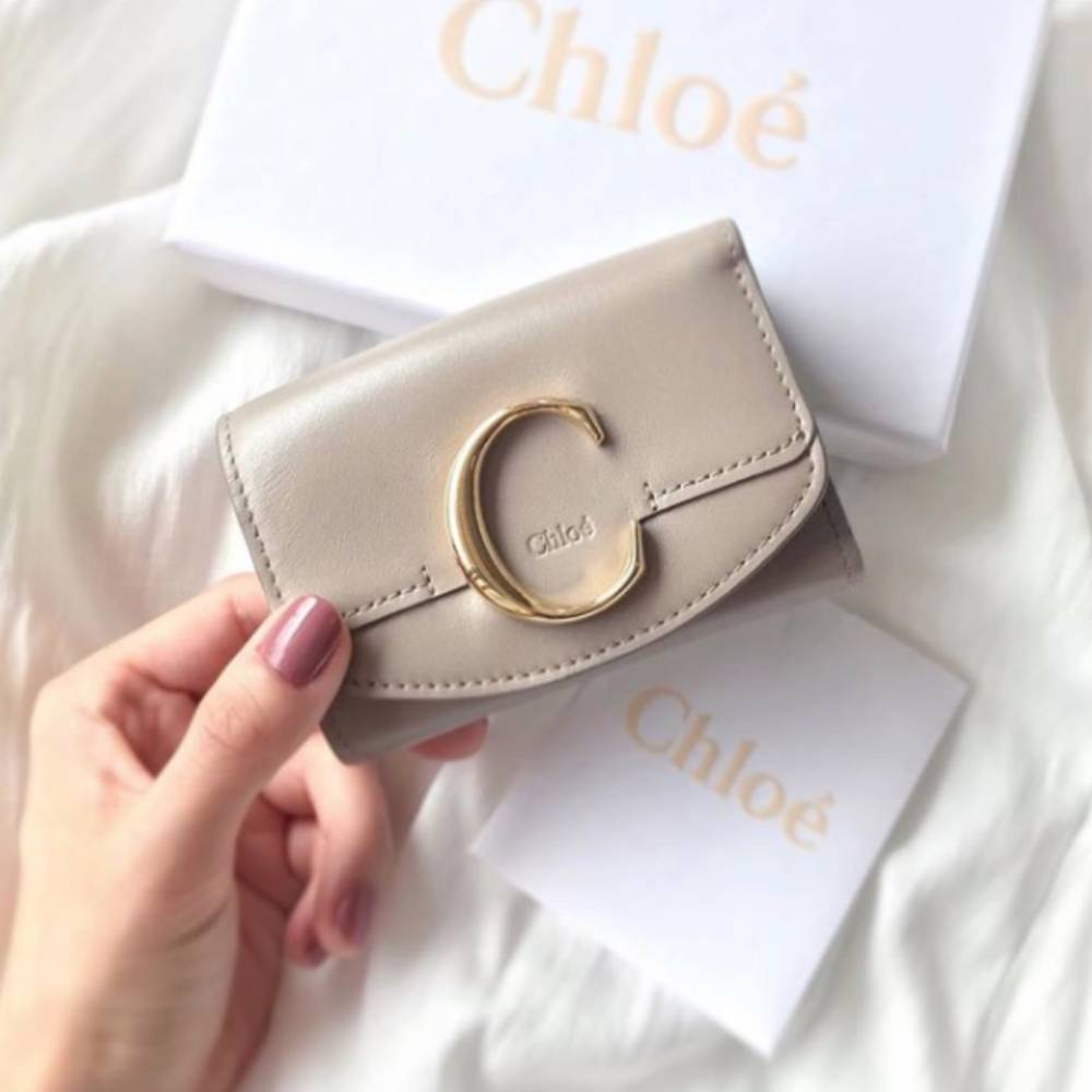 網購Chloé銀包低至HK$1811+免費直送香港/澳門