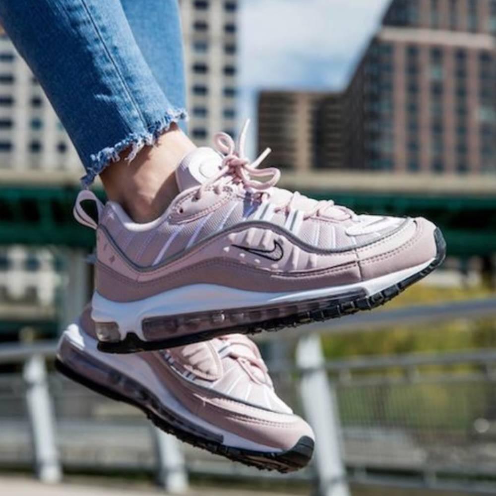 網購Nike運動鞋低至6折+免費直運香港/澳門