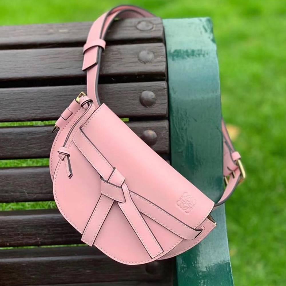 網購Loewe春夏粉色系手袋低至香港價錢61折+免費直送香港/澳門