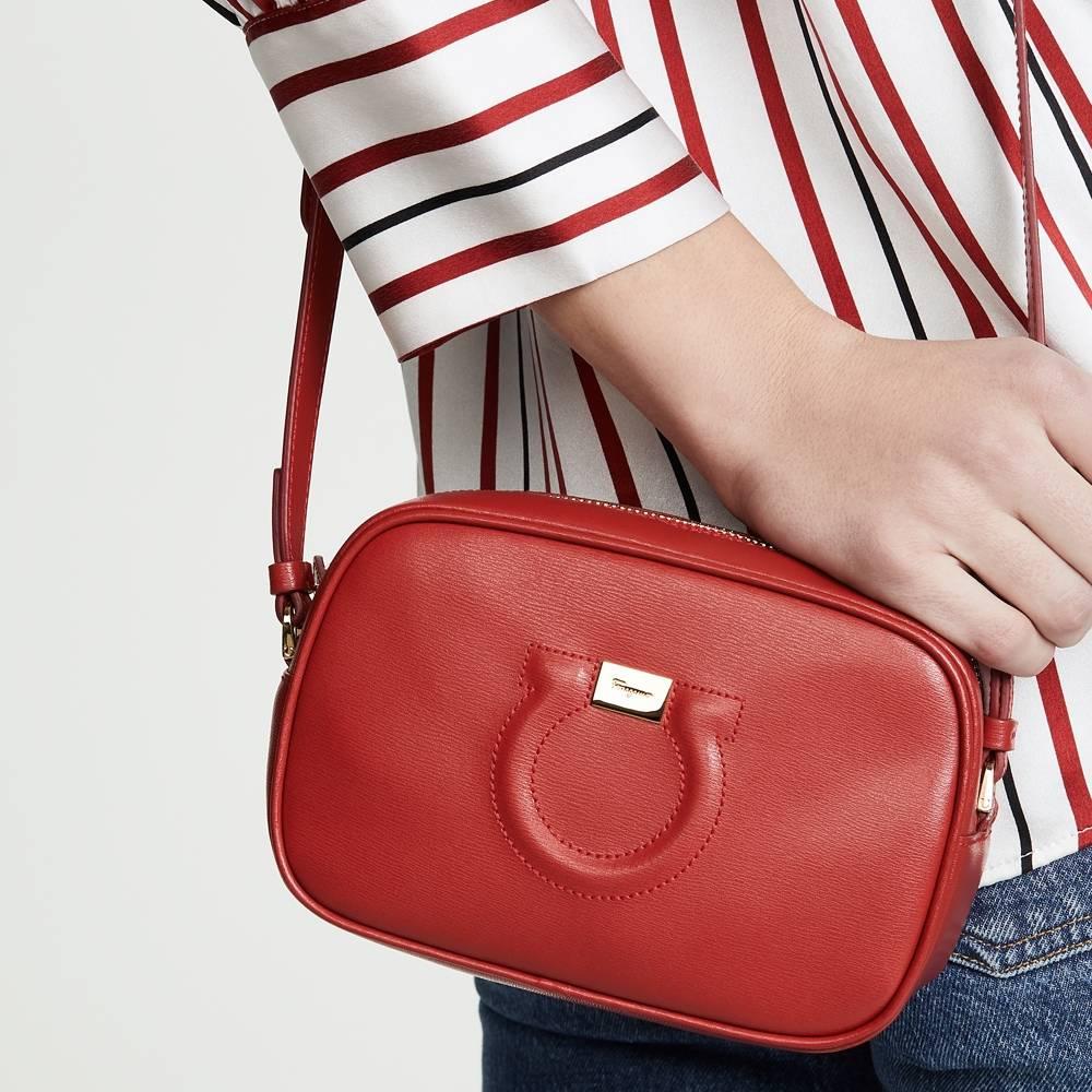 網購Salvatore Ferragamo手袋低至HK$2413 + 免費直送香港/澳門