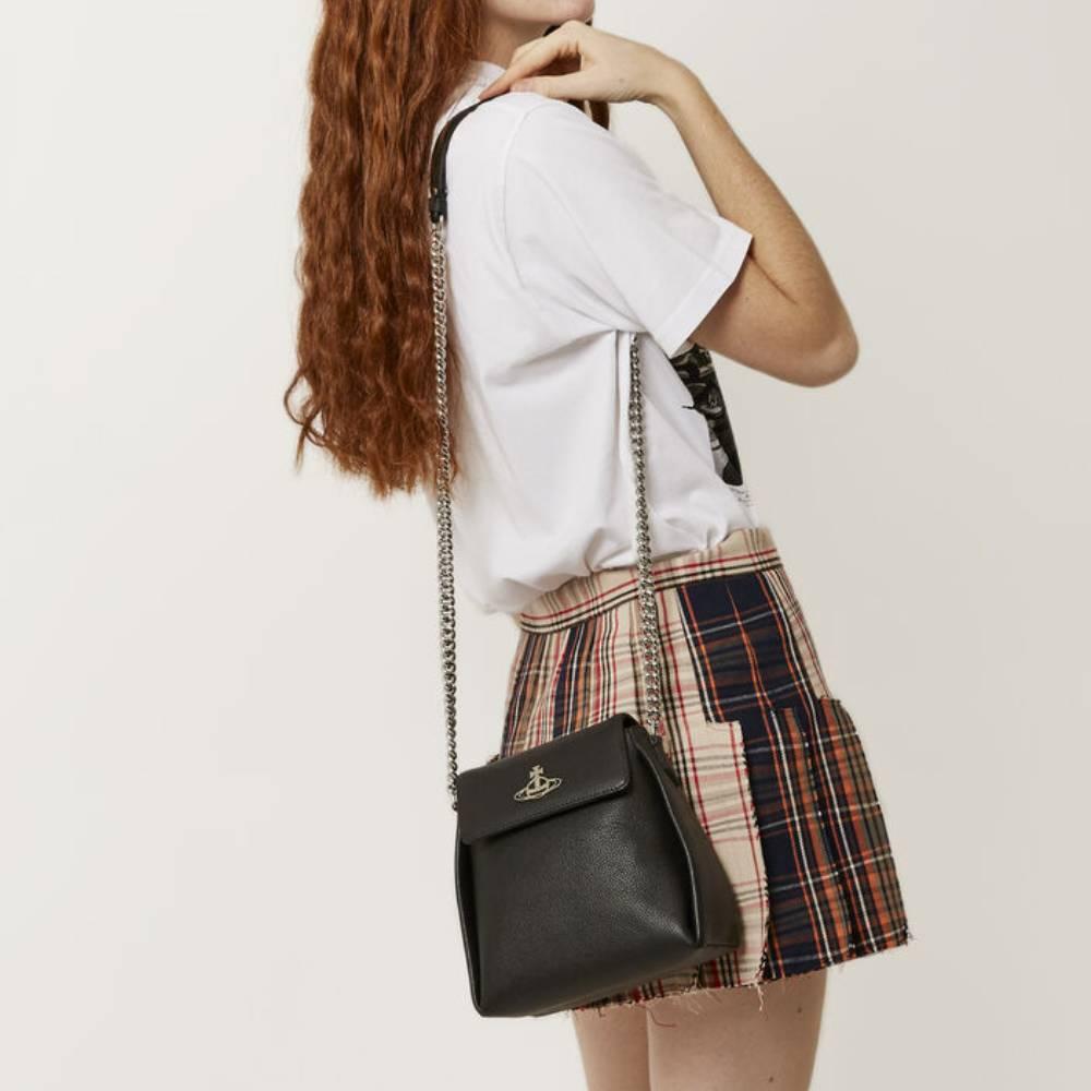網購Vivienne Westwood手袋低至香港價錢34折+免費直送香港/澳門