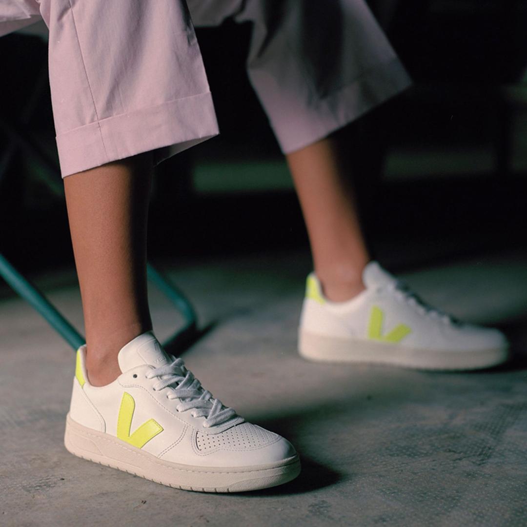 網購法國VEJA小白鞋低至香港價錢54折+免費直運香港/澳門