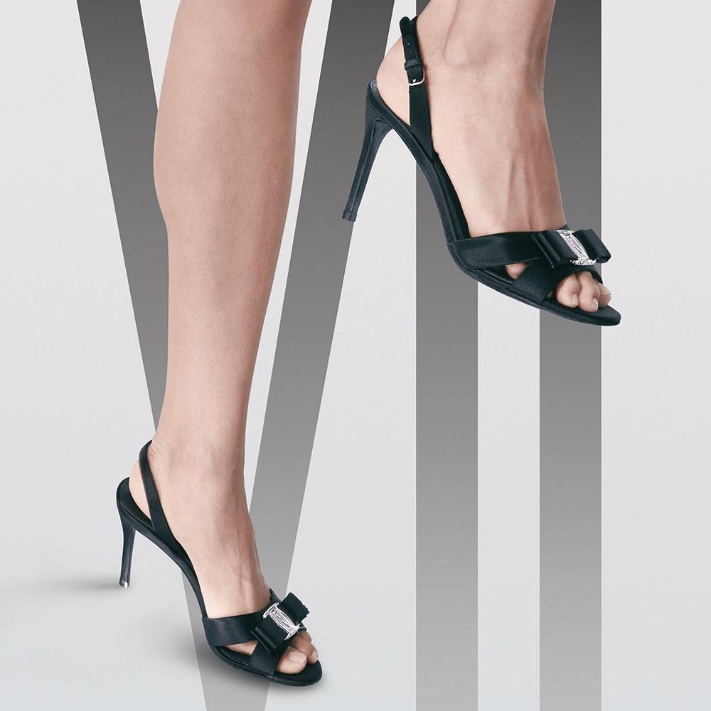 網購 Salvatore Ferragamo 蝴蝶結鞋低至香港價錢42折 + 免費直送香港/澳門