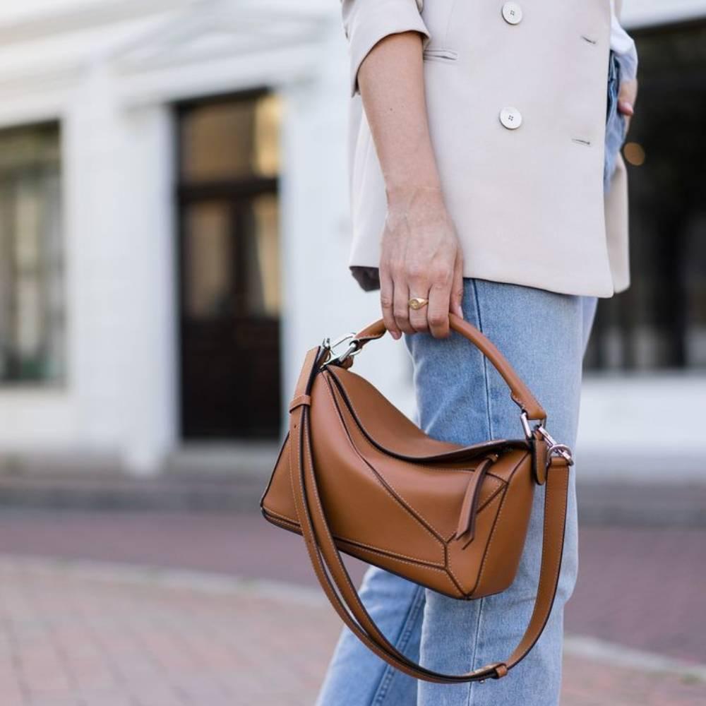 網購Loewe手袋低至香港價錢7折+免費直送香港/澳門