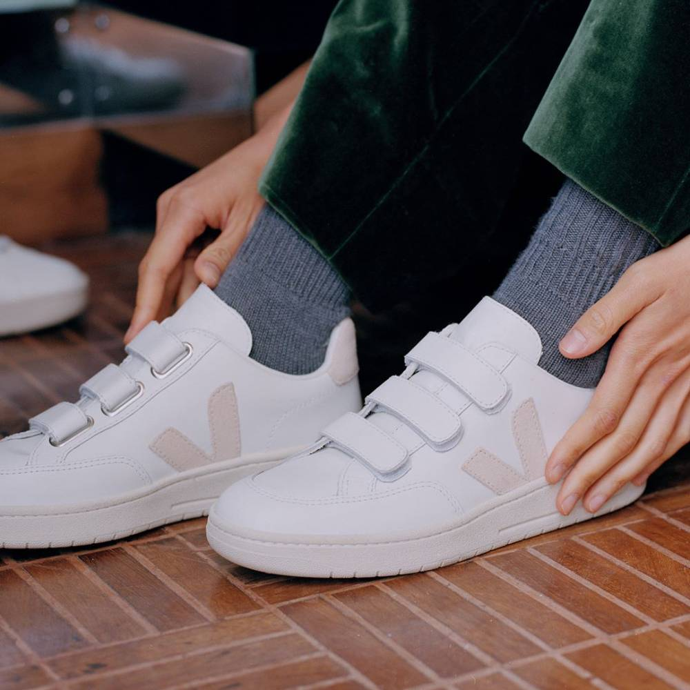 網購VEJA新款運動鞋85折+免費直送香港/澳門