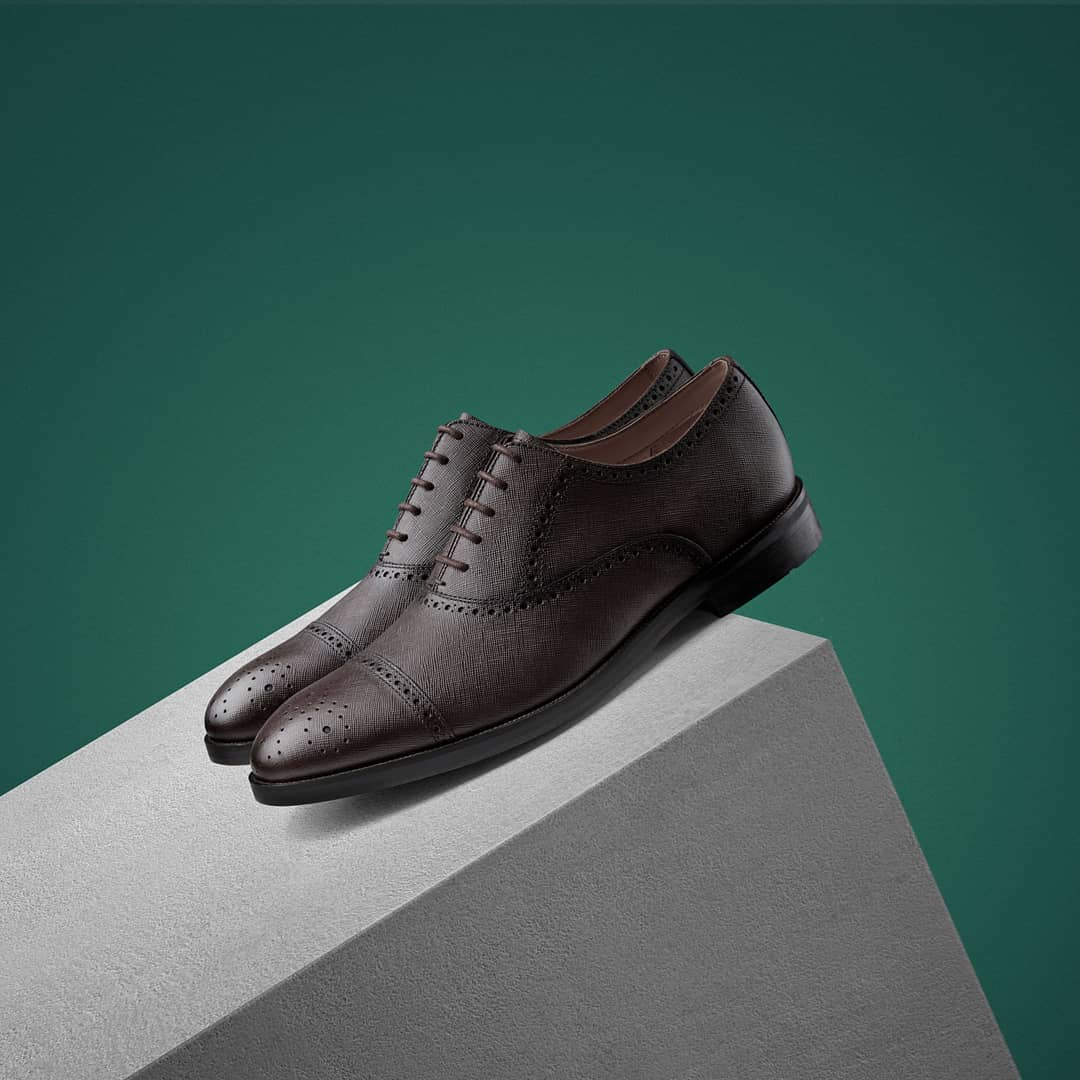 網購Clarks鞋款78折優惠+免費直運香港/澳門