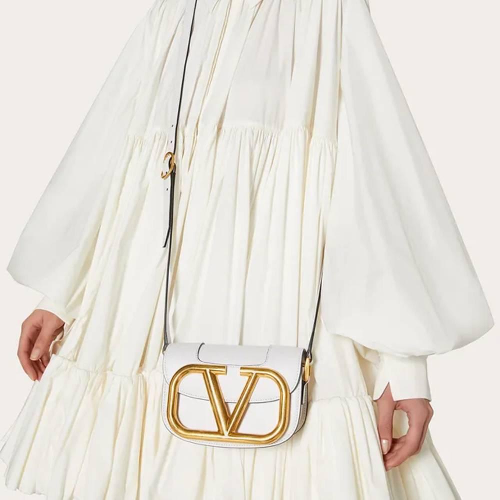 網購Valentino人氣手袋低至香港價錢63折+免費直送香港/澳門