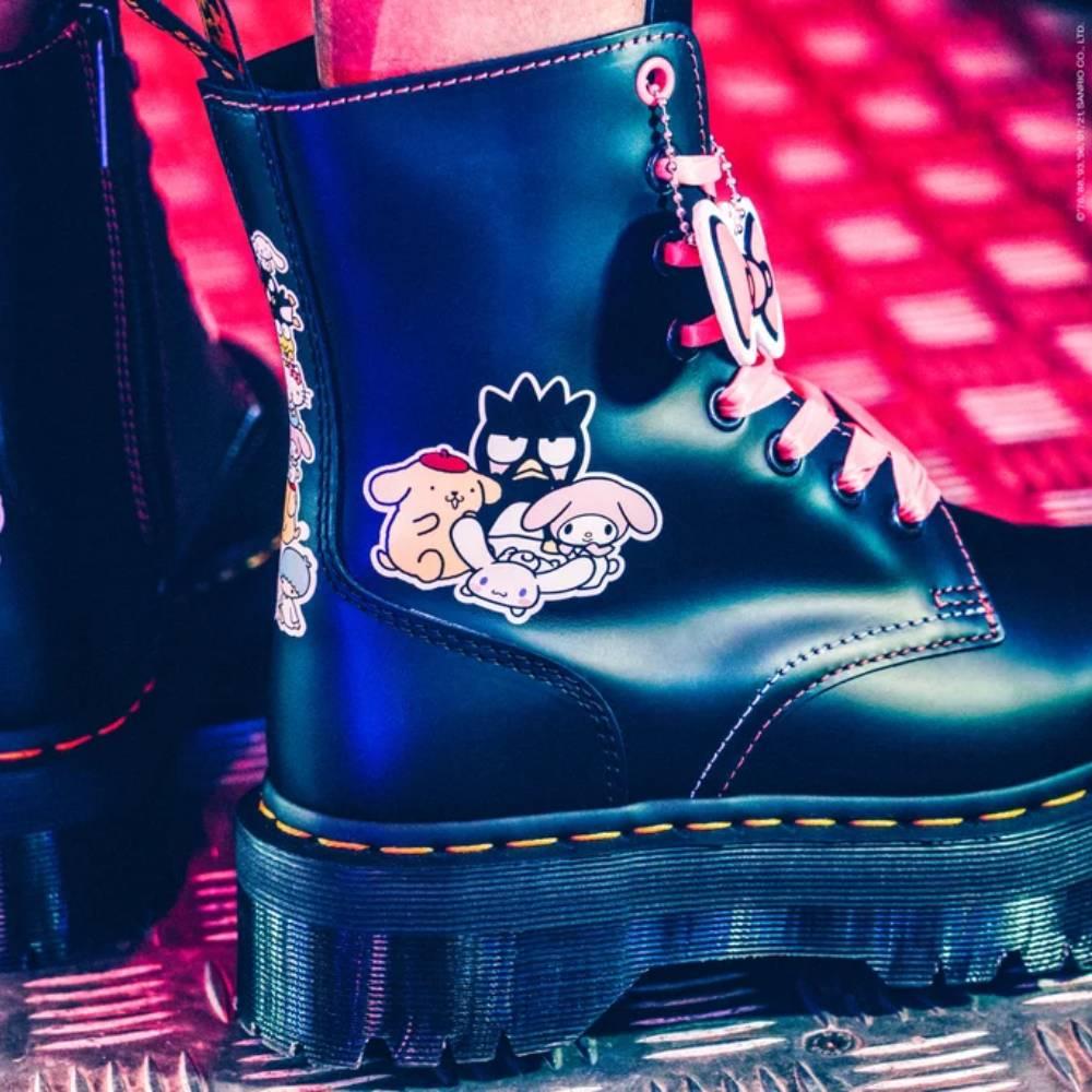 網購Dr.Martens X Hello Kitty特別版鞋款75折+免費直運香港/澳門