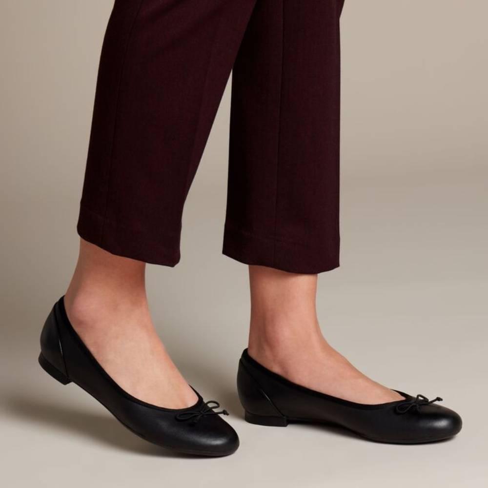 網購Clarks鞋款8折+免費直運香港/澳門