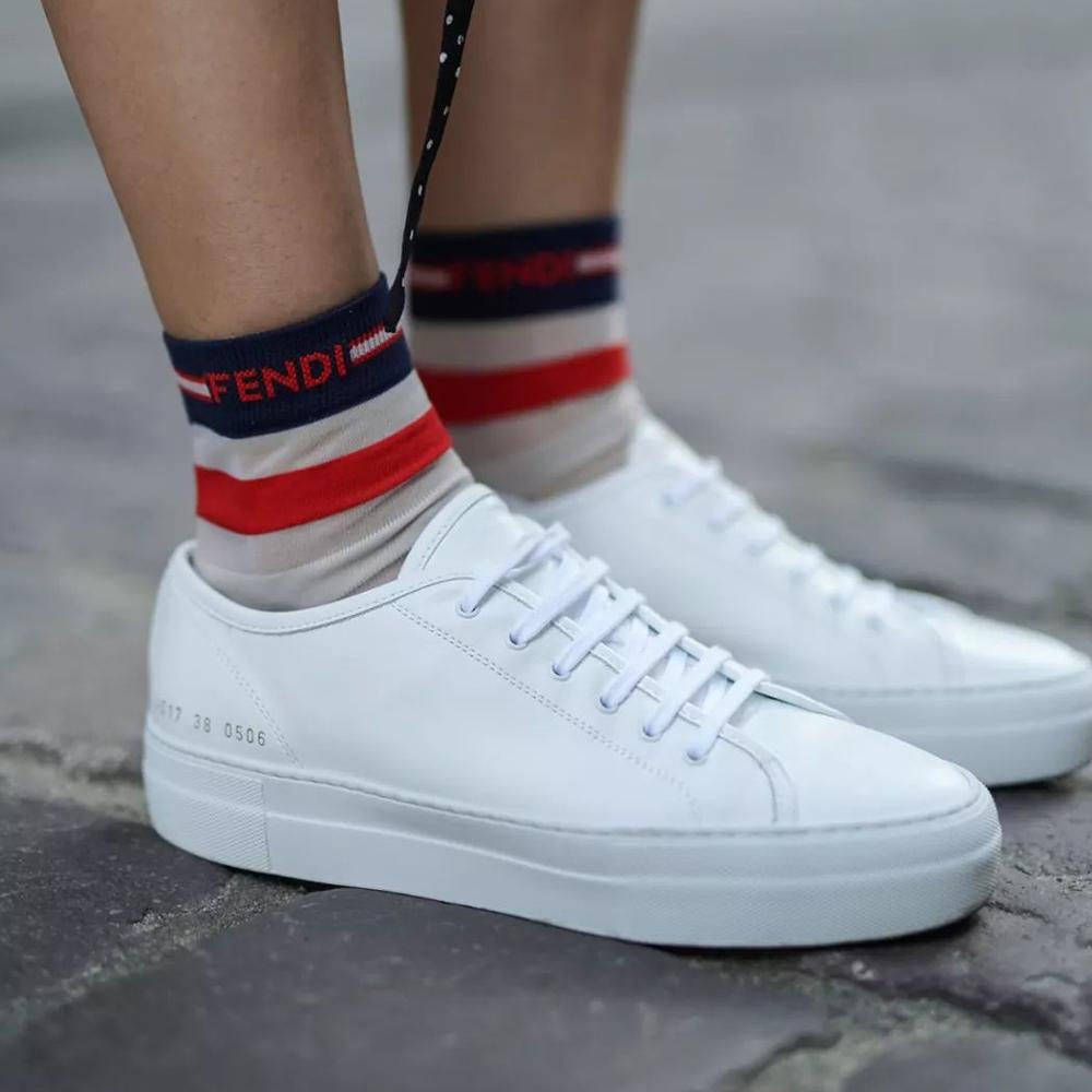 網購法國VEJA小白鞋低至香港價錢68折+免費直運香港/澳門