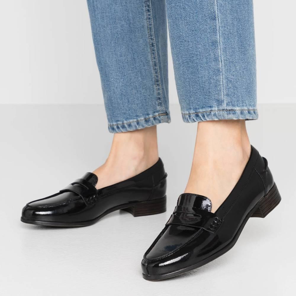 網購Clarks鞋款7折 +免費直運香港/澳門
