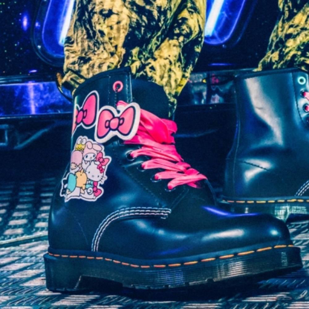 網購Dr.Martens x Hello Kitty鞋款7折+免費直運香港/澳門