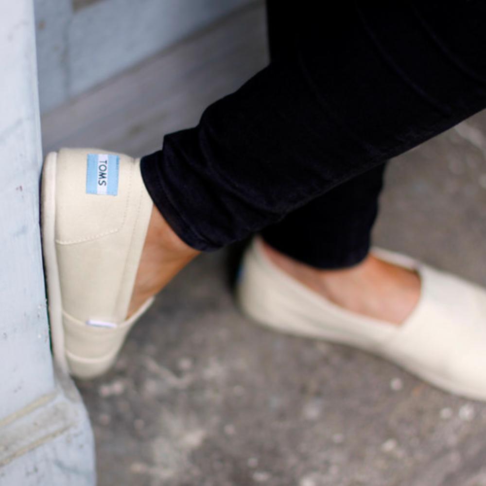 網購Toms鞋款低至35折+免費直運香港/澳門