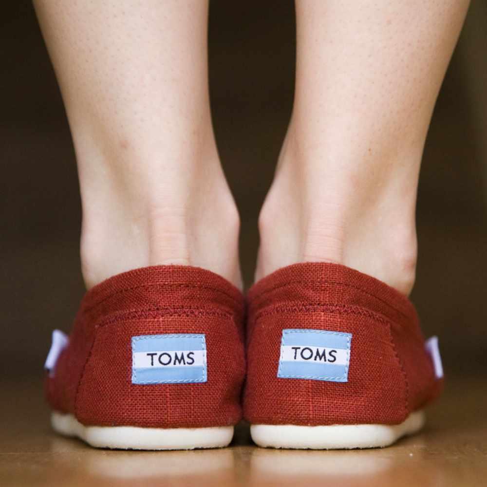 網購Toms懶人鞋款低至HK$206 +免費直運香港/澳門