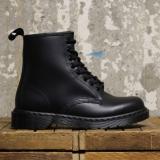 網購Dr. Martens經典高筒鞋低至75折+免費直運香港/澳門